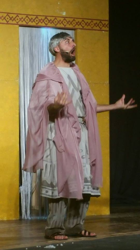 Menecmo I interpretato da Mauro Eusti (c) Teatro Europeo Plautino